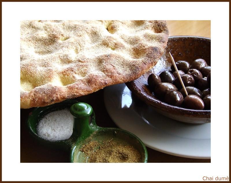 du pain et des olives